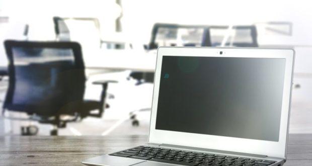 Oprava displeje notebooku vás v neznačkovém servisu nevyjde draho